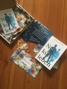 """Buchpaket zu """"Nur kurz leben"""" von Catherine Strefford"""